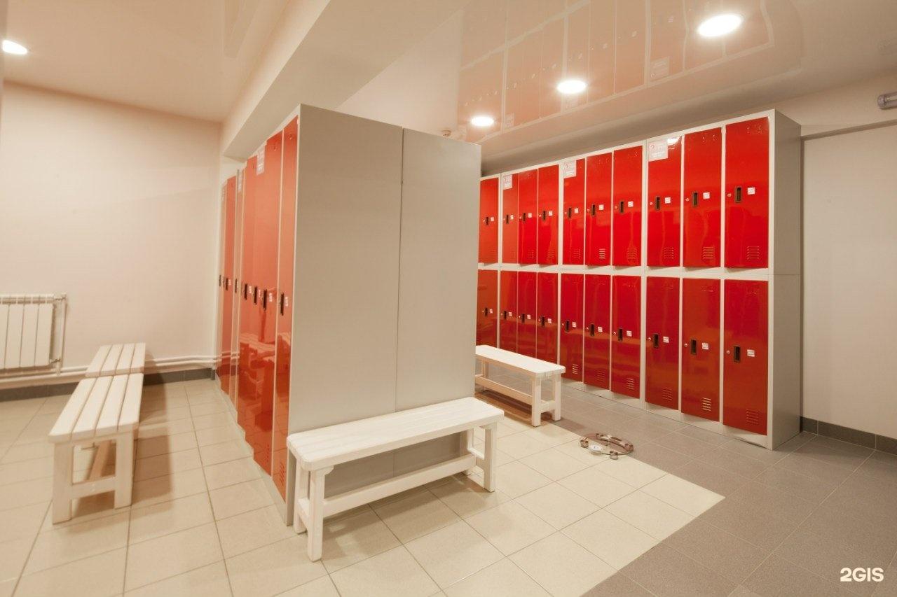 попки влажные фото в раздевалке в поликлинике смотреть из-за самого