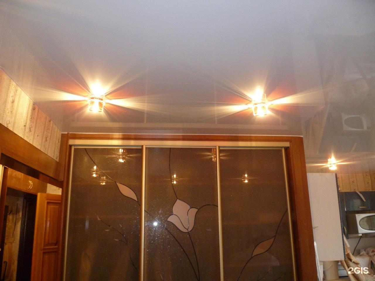 Шкаф под скошенный потолок